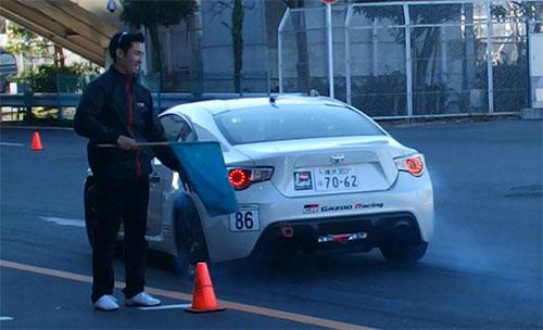 田ヶ原章蔵選手の86車両。
