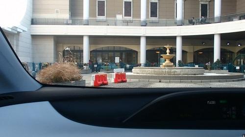 私はメガウェブではこの噴水のあたりの雰囲気が大好きです。