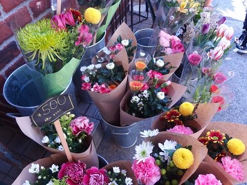 お供え用の花もこんなに洗練されてる