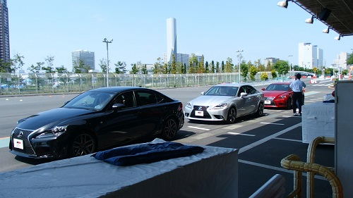 ワクドキドライビングスラロームフルブレーキ体験お台場メガウェブMEGAWEB