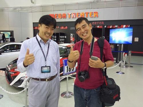 左がMEGA WEBの小松さん