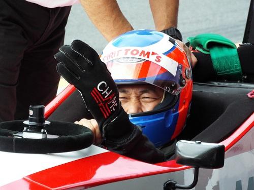 ドライバーはチャンプ★FUJITAさん。