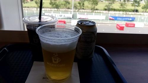 ノンアルコールビールもうまい。カレーにビールが最高。