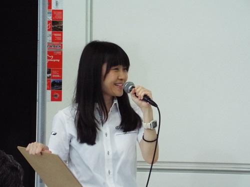 MCは山下亜紀子さん。
