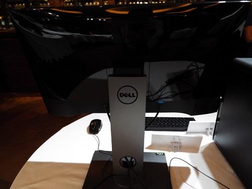 DELL新製品発表イベントゲーミングモニタ24インチ